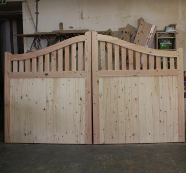 Douglas Fir - English Larch Swan Neck Driveway Gates