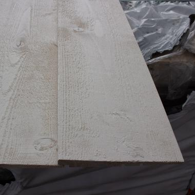 White Painted Rebated Featheredge Cladding SAMPLE